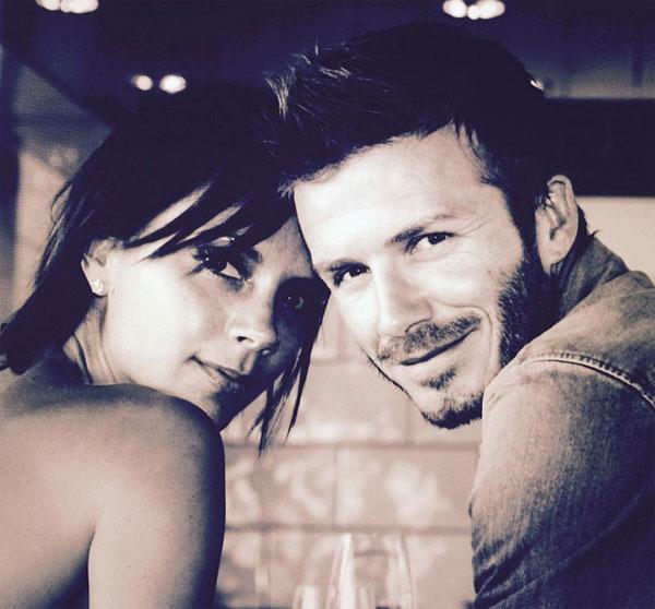 Becks cũng chia sẻ một bức ảnh của hai vợ chồng cùng lời chú thích ngọt ngào khiến nhiều người ngưỡng mộ.
