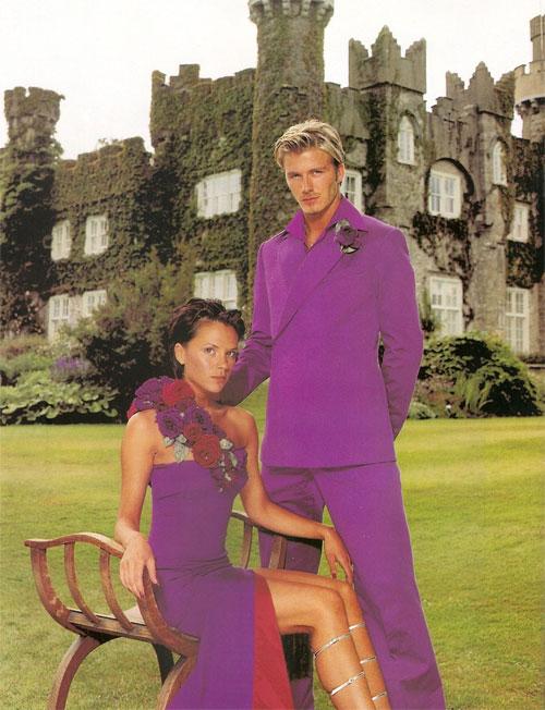 Cả hai cũng có sự hoán đổi vai trò linh hoạt. Khi mới cưới, Vic sẵn sàng ngưng sự nghiệp ca hát, chuyên tâm với việc chăm sóc tổ ấm và nhứng đứa con để Becks có một sự nghiệp thăng hoa trên sân cỏ.