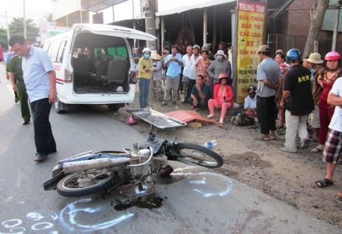 Hiện trường tai nạn khiến bé gái thiệt mạng. Ảnh: Hồ Nam.