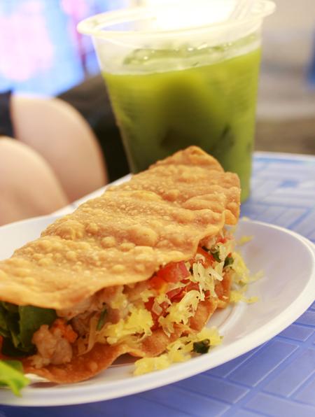 'Sandwich' Mexico gây tò mò giới trẻ Hà thành