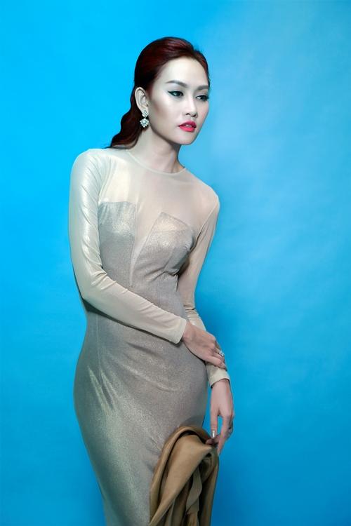 Á hậu Kim Duyên kiêu sa với váy áo độc đáo