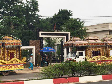 Đưa tang 6 nạn nhân vụ thảm sát ở Bình Phước