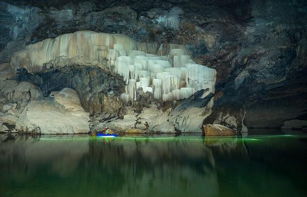 Chèo thuyền kayak, khám phá động thực vật, dạo bộ trong hang,&là những trải nghiệm không thể bỏ lỡ.