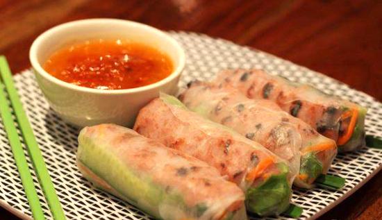 Những chiếc bánh tráng nem dẻo, dai của cù lao Lục Sĩ Thành, cù lao Mây. Ảnh: Bepnhata.