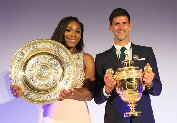 Serena đánh bại đối thủ trẻ tuổi Muguruza ở chung kết hôm 11/7 trong khi Djokovic