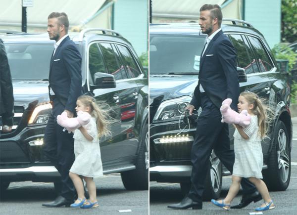 Hai ngày trước sinh nhật của Harper, Becks dắt tay con gái cưng tới dự buổi lễ tổng kết mẫu giáo lớn của cô nhóc.