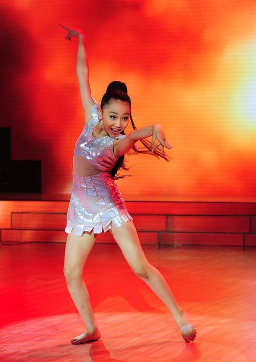 Dinh-Ngoc-Bao-Chau-Ly-Vo-Phu-H-9321-5751