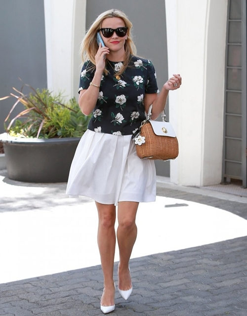 Reese-Witherspoon-Visits-Offic-8247-7852