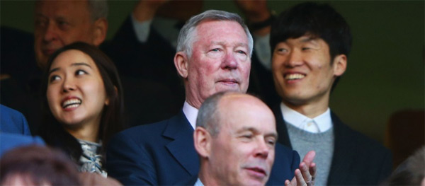 Giữa tháng 4 vừa qua, cựu sao MU cùng vợ đến sân Stamford Bridge