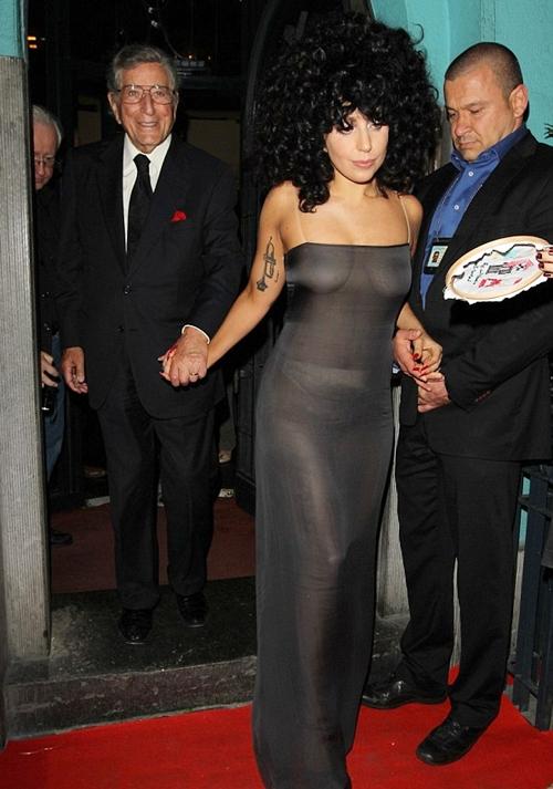 Lady-Gaga-Gown3-SEPTIN911-2286-143814458
