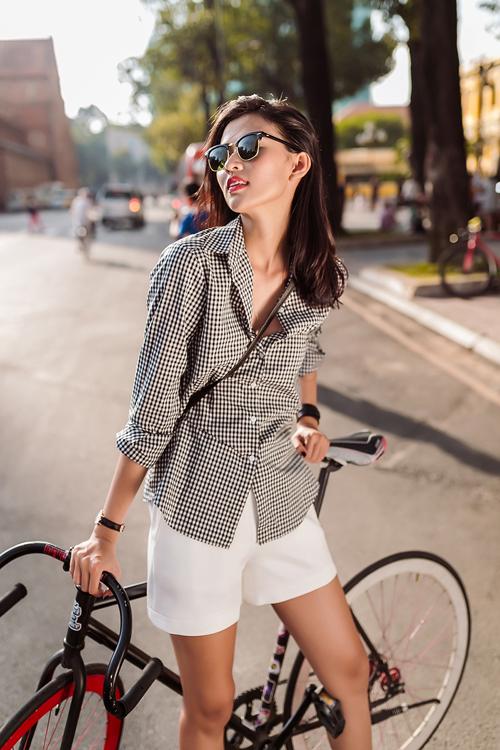Bộ ảnh được thực hiện với sự hỗ trợ của Photo: Chanh; Stylist: Milan Zoan; Model: Thiên Trang.