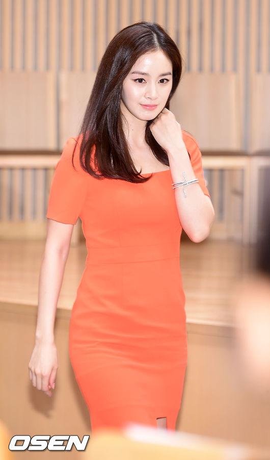 kim-tae-hee-1-2697-1438241297.jpg