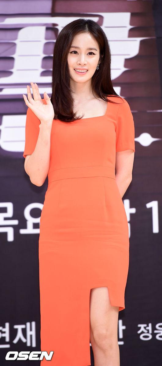 kim-tae-hee-4-5635-1438241297.jpg