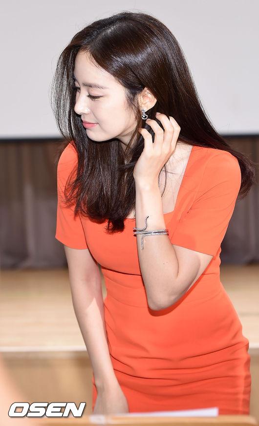 kim-tae-hee-7-1447-1438241297.jpg