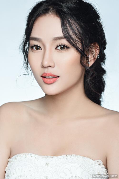 2 kiểu makeup trẻ trung của Hạ Hồng Vân