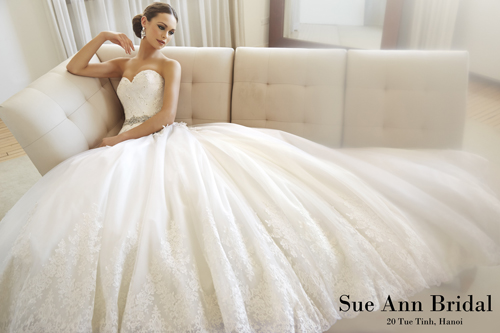 `Private show` của váy cưới Sue Ann Bridal