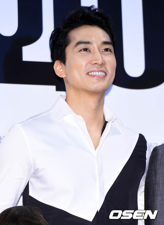 Song-Seung-Hun-3394-1438828205.jpg