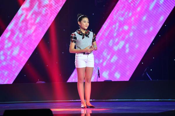 Dương Thị Thùy Vân, 12 tuổi đến từ thành phố Hồ Chí Minh chọn bản hit Taxi của Thu Minh (Sáng tác: Nguyễn Hải Phong) để tham gia phần thi Giấu mặt.