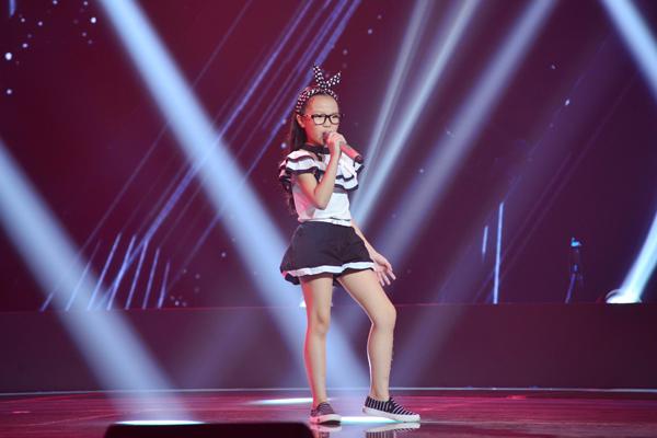 Nguyễn Hải Anh, 9 tuổi đến từ Hà Nội thể hiện ca khúc Bran New You (Sáng tác: Jason Robert Brown).
