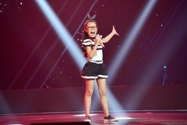 Hải Anh biểu diễn đúng ca khúc mà Lưu Hương Giang và Hồ Hoài Anh yêu thích, vì thế em đã được cặp đôi Giang  Hồ nhấn nút chọn.