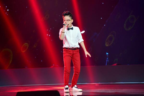 Thái Hải Thanh, 11 tuổi đến từ Cần Thơ trình bày ca khúc Ước mơ cho ngày mai (Sáng tác: Anh Tuấn MTV).
