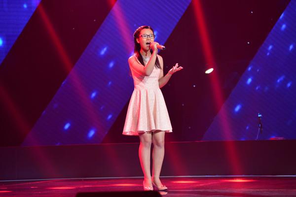 Đoàn Trần Uyên Vi chọn ca khúc Phố cổ của Nguyễn Duy Hùng để thể hiện trong vòng thi Giấu mặt.