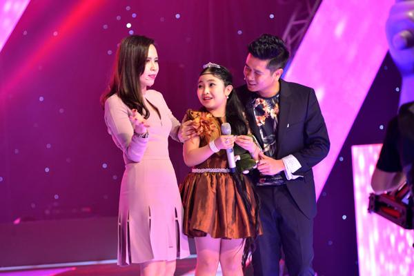 Hồng Minh chọn về đội của Lưu Hương Giang và Hồ Hoài Anh, điều này khiến cặp đôi Giang - Hồ không khỏi bất ngờ.