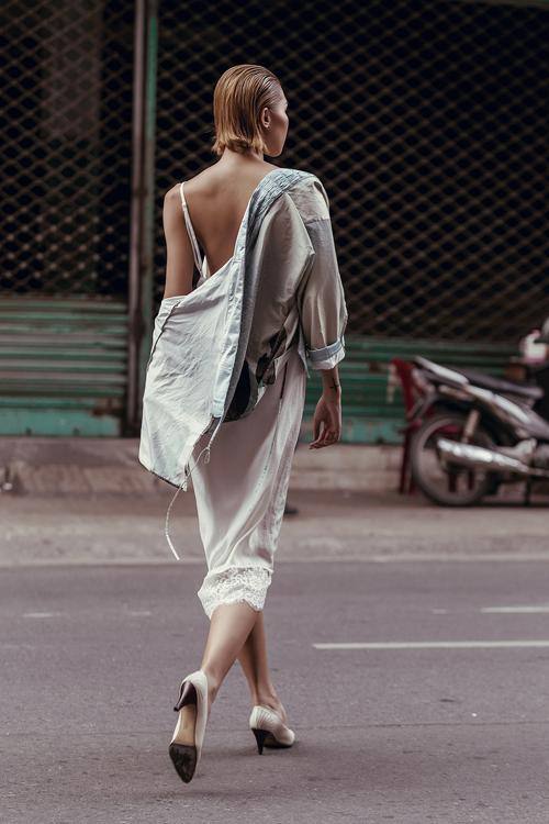 Bộ ảnh được thực hiện với sự hỗ trợ của Photo: Chanh; Trang phục: Li Lam.