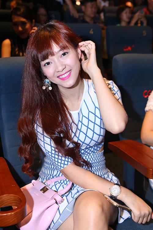 Á quân Giọng hát Việt 2012 Đinh Hương.