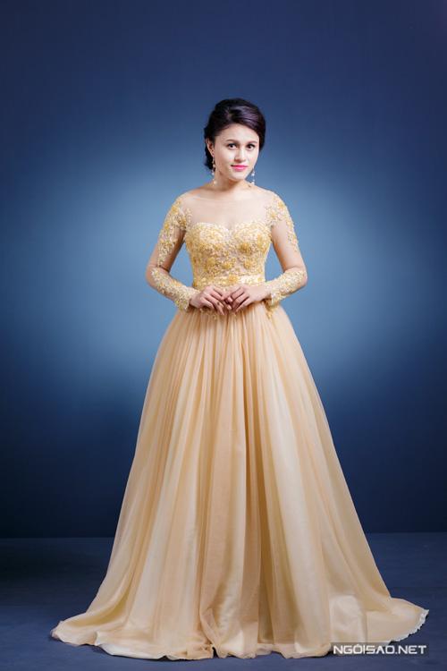 Váy cưới sắc màu trẻ trung cho cô dâu Việt