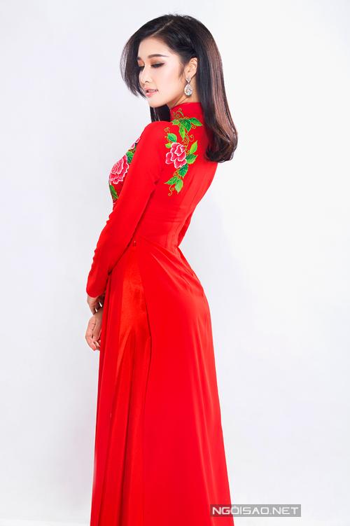 Hoa hậu Triệu Thị Hà gợi ý áo dài cưới duyên dáng