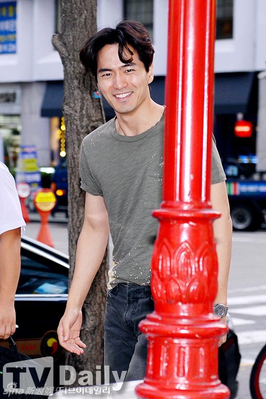 Lee-Jin-Wook-9804-1439865143.jpg