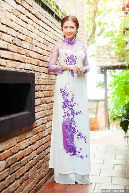 Cô dâu duyên dáng với áo dài sắc tím nhẹ nhàng