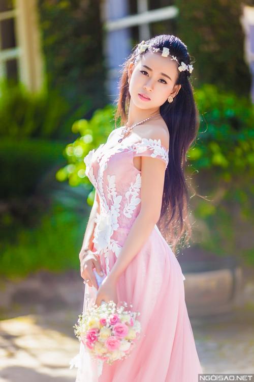 Cô dâu đẹp dịu dàng trong ảnh...