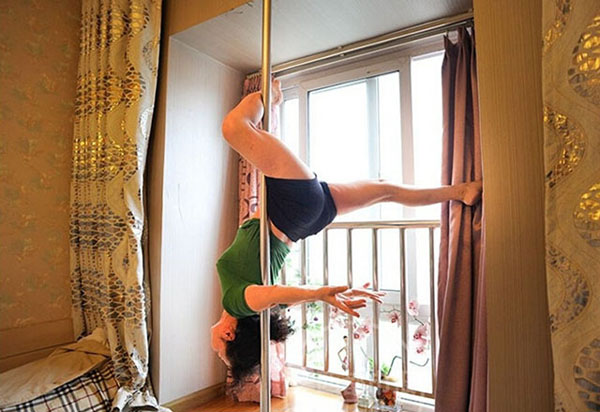 Dai Dali, first learned to pole dance at a gym four years ago and is now able to pull of moves that most people half her age couldn't accomplish.