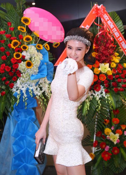 6-angela-phuong-trinh-5079-1440589601.jp