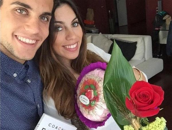 Hậu vệ trẻ của Barca là Marc Bartra vừa đón con gái đầu lòng