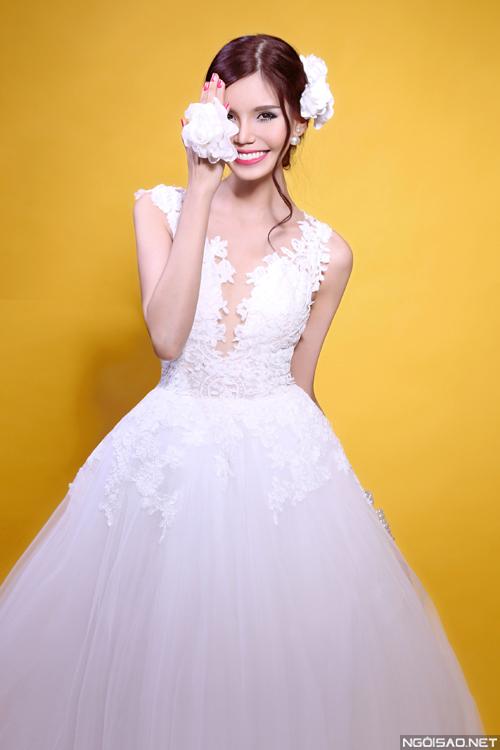 Gợi ý váy cưới và cách make-up rạng rỡ cho cô dâu