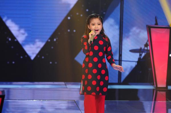 3 giọng ca của đội Hồ Hoài Anh và Lưu Hương Giang đã mang đến tiết mục ấn tượng nhất tập 2 vòng