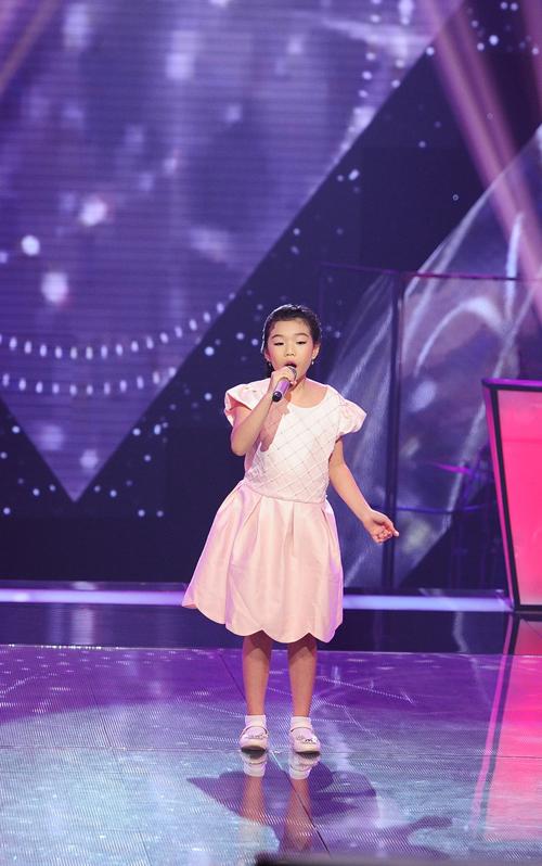 Cách hát chắc chắn và đầy chủ động của Phương Khanh đã giúp Phương Khanh chiến thắng Cindy Linh Nhi và Tường Vy để giành quyển đi tiếp.
