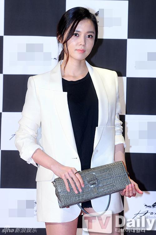 Go-Na-Eun-3565-1441202973.jpg