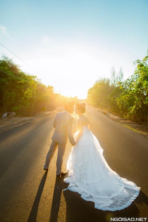 Cô dâu xinh như búp bê trong ảnh cưới ở Hồ Cốc