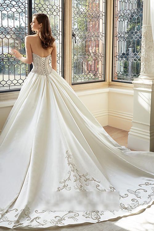 Xu hướng váy cưới cho cô dâu mùa xuân 2016 1