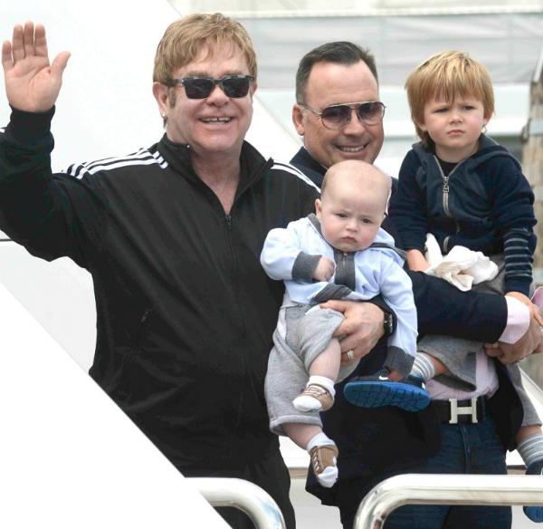Elton-3477-1441707120.png