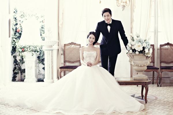 Cách tạo dáng lãng mạn như ảnh cưới Hàn Quốc