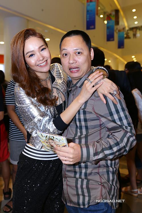 Minh Hằng thân thiết với nhạc sĩ Nguyễn Hải Phong.