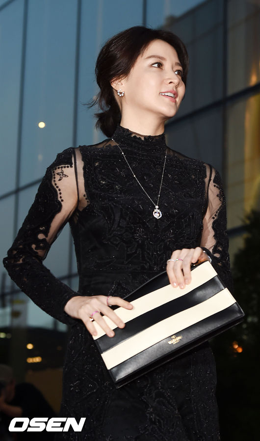 Lee-Young-Ae-2167-1441938336.jpg