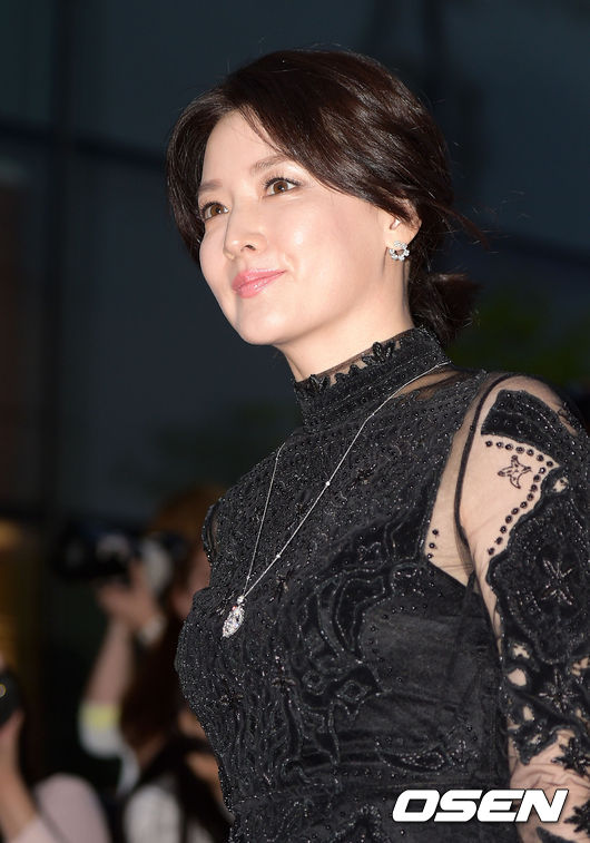 Lee-Young-Ae-6-2809-1441938336.jpg