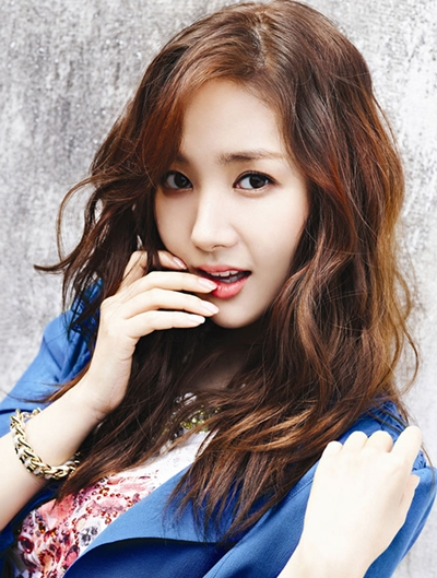 park-min-young-compagna-12-3122-14419468