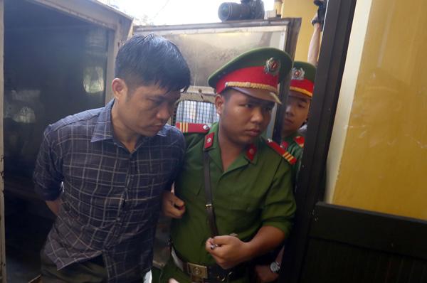 Bác sĩ Tường xin giảm hình phạt, không chống án